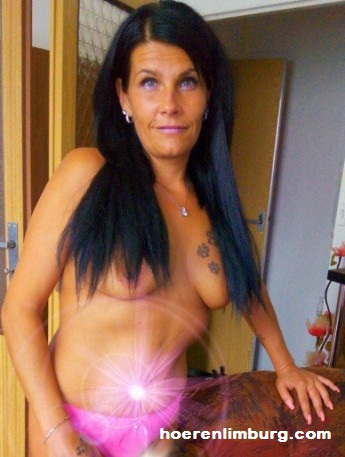PRIVE ERO MASSAGE PIJPENDE MILF